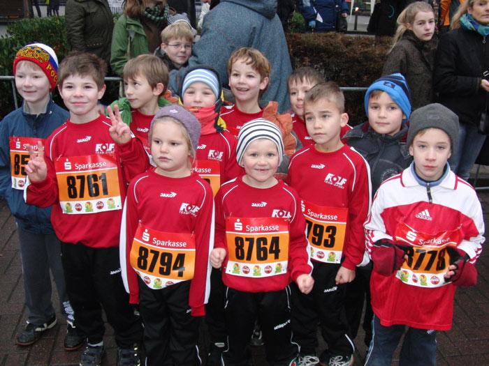 Das Foto ist ein Nachzügler aus dem Vorjahr, die Kinder waren es nicht: RWW-Kids nehmen am Silvesterlauf teil