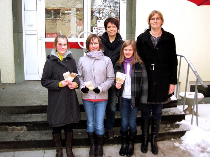 Miteinander und St.-Cäcilia Chor-Kids stiften 300 Euro für die Werler Tafel