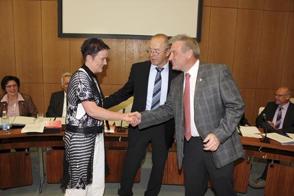 Beate Kohlmann wird zur Vizebürgermeisterin gewählt (Foto: Anzeiger)