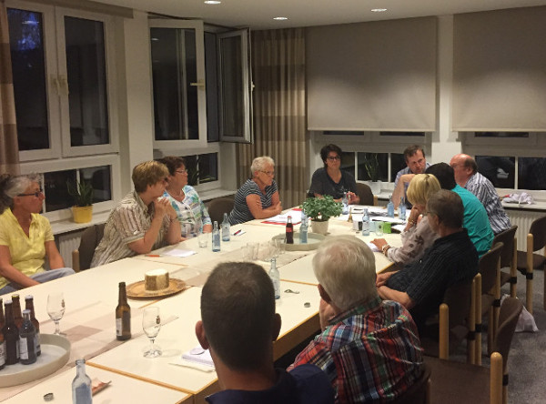 Mit Maria durch das Jahr - Gemeindeausschuss kündigt Wallfahrtsjubiläum 2017 an.