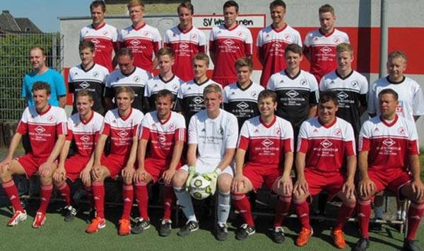 Hubert Tadday (mitte rechts) geht mitten in der Saison - Helmut Ufermann kommt