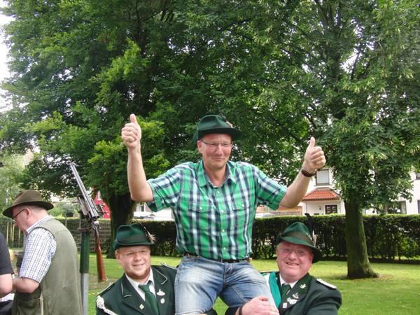 Unser Redaktionsmitglied Martin Beudel wird neuer Schützenkönig von Westönnen