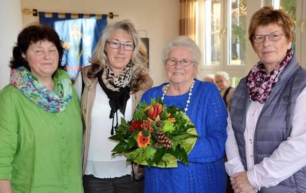 33 Jahre ehrenamtlich für die Caritas aktiv war Agnes Wegener. Dafür gab es Blumen und Applaus.