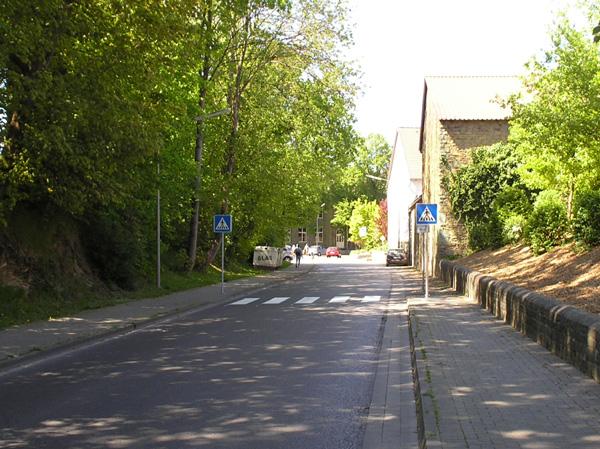 der neue Zebrastreifen auf der Breiten Strasse