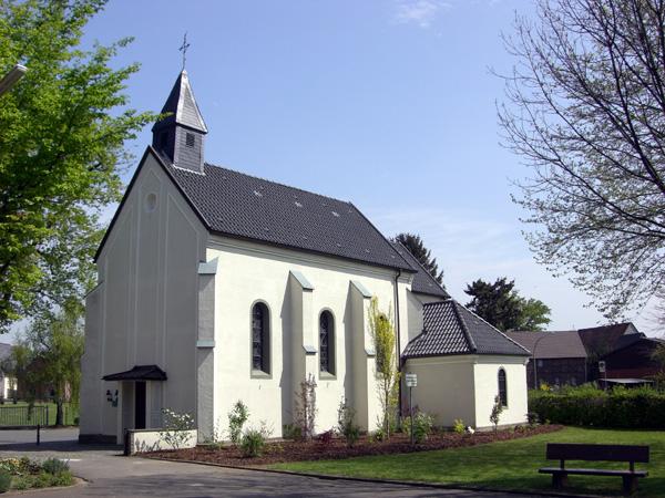 Die Kapelle vom Schulhof gesehen nach ihrer letzten Renovierung