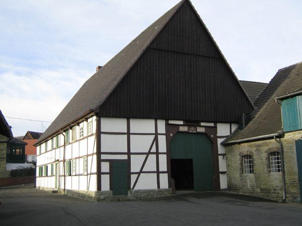 Westönnen,  Kirchstraße  2 Besitzer :  Eberhard  Baumhöfer