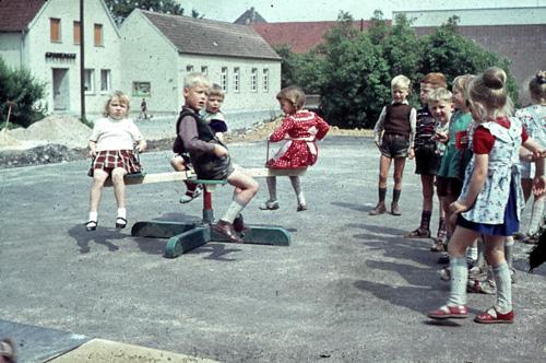 1963 Spielende Kinder Hintergrund Sparkasse
