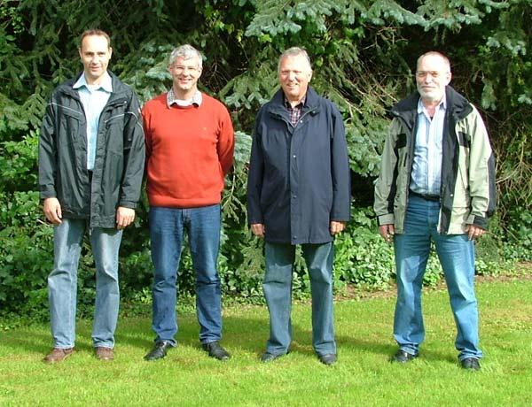 Zufrieden mit der neuen Lösung: Christoph Zeppenfeld, König Norbert Lutter, Brudermeister Friedel Grümme und Adjutant Reinhard Kiko