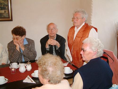 Kaffeetrinken im Cafe des Klosters