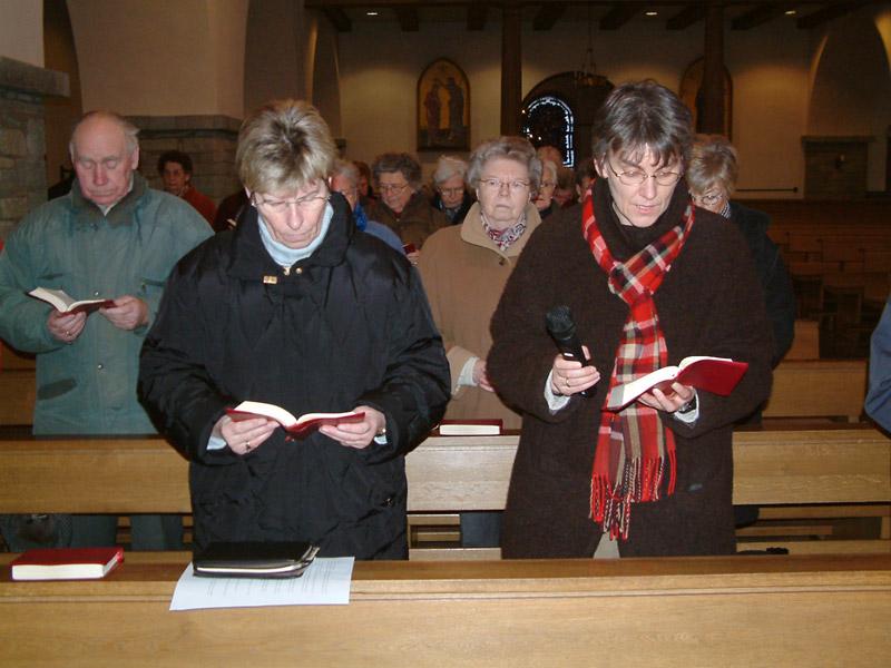 Die Vorbeter: <br>Frau Ria Kemper und Schwester Bernhardine Plog