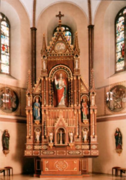 Der Hochaltar in der Kirche
