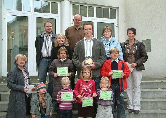 Kathrin Schmidt und Benita Haffke gewinnen den Foto- und Bilderwettbewerb.
