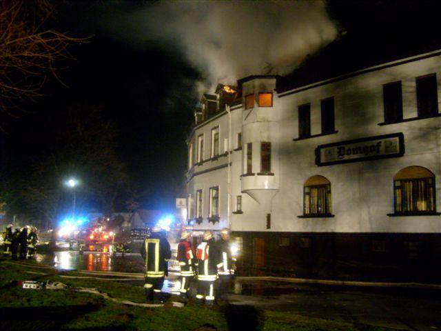 Der Domhof brennt
