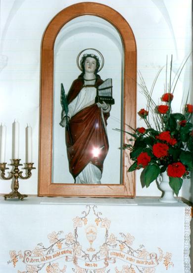 Die Figur der heiligen Cäcilia, der Kirchenpatronin