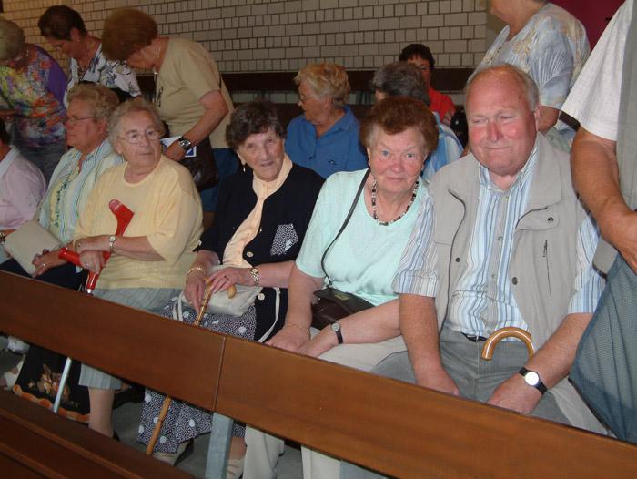 Westönner Gäste auf ihren Plätzen