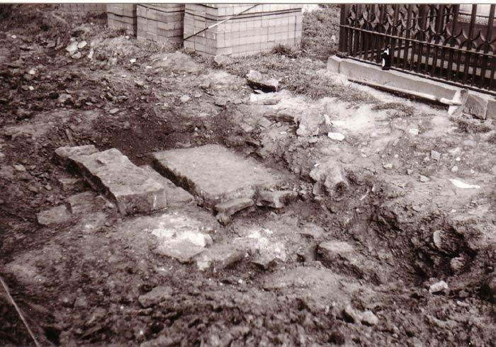 Eingang zur Grabkammer, um 1980