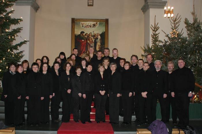 BELCANTO, der Chor unter der Leitung von Helmut Pieper, sang im Hochamt am 18. Januar 2009 Choräle und Motetten von Mozart, Bach und Mendelssohn - Foto: Wetfalenpost