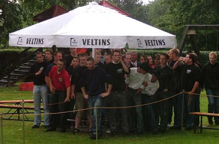 Mit einem Biwak anlässlich der Feierlichkeiten zum Jubiläum der Avantgarde beginnt das Westönner Schützenfest