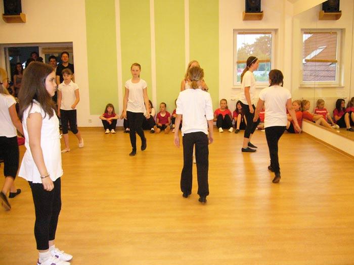 Modern-Dance-Gruppe 8 – 10 Jahre (Leitung Cathy Götte)