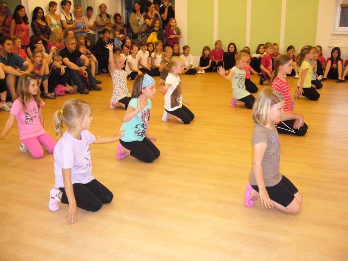 Modern-Dance-Gruppe 5 – 7 Jahre (Leitung Cathy Götte)