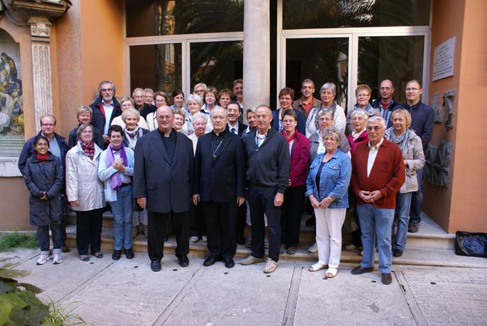 auf dem Campo Santo Teutonico mit Kardinal Cordes und dem päpstlichen Organisten Gianluca Libertucci