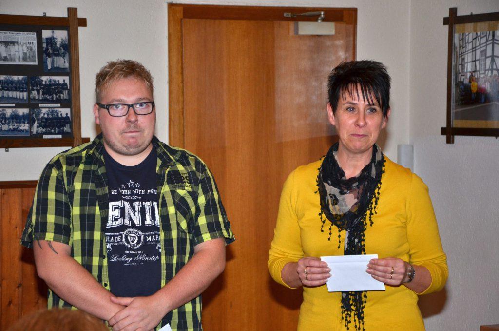 Ingo Schriek und Gudrun Brinkmann, Leiterin der Kindertagesstättte