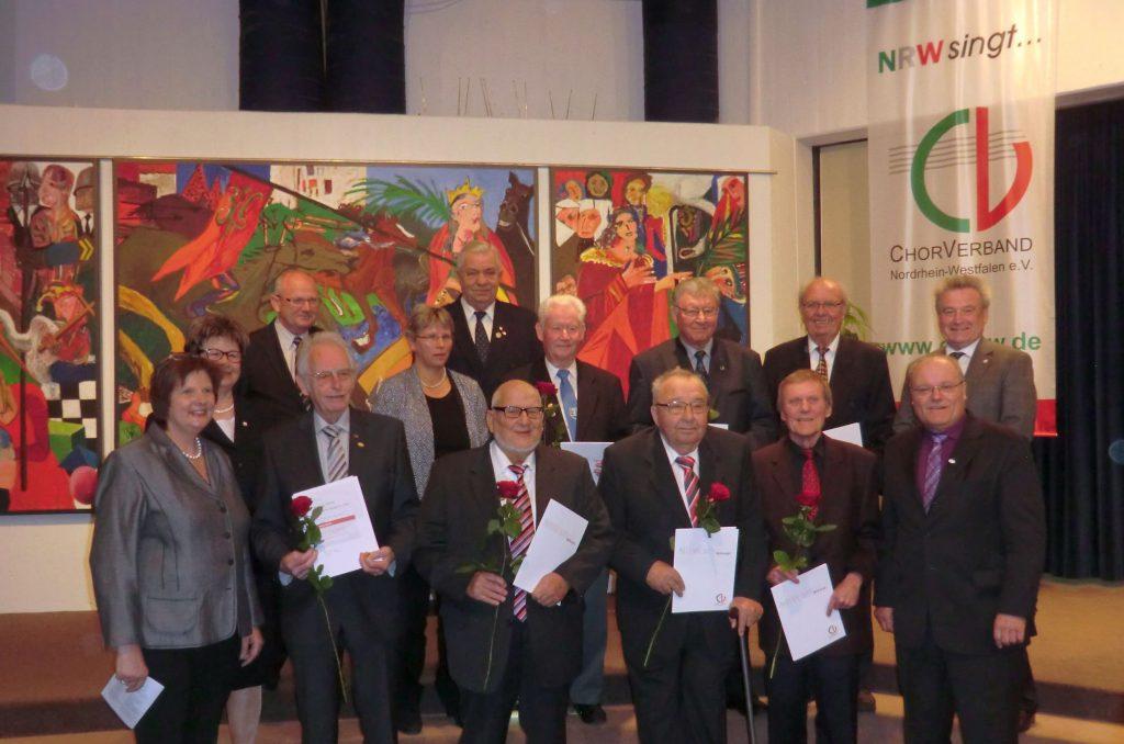 Kaspar Kerkhoff, 2.Reihe, dritter v.re. geehrt für 60 Jahre aktiver Chorgesang