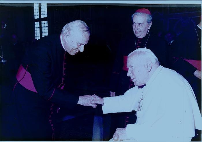 Prälat Michel bei Papst Johannes Paul II / Foto: Familie Vogelsang