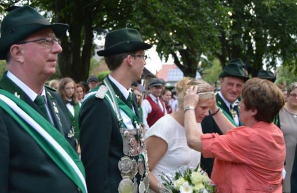 Tobias und Sarah Grae regieren in Westönnen