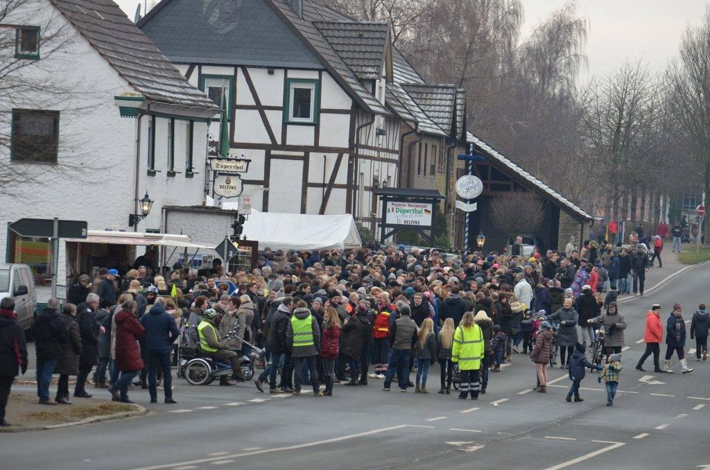 Zahlreiche Zuschauer verfolgten den Lauf in Westönnen