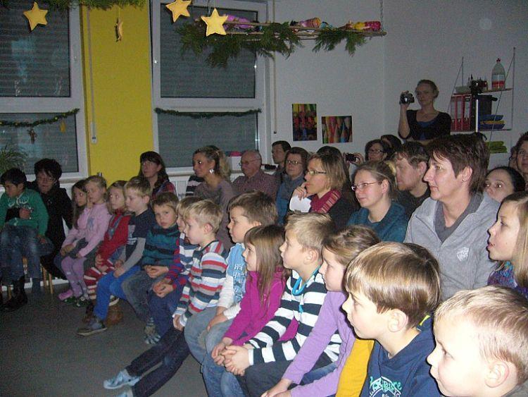 Mit viel Eifer waren die kleinen im Theaterspiel vertieft.