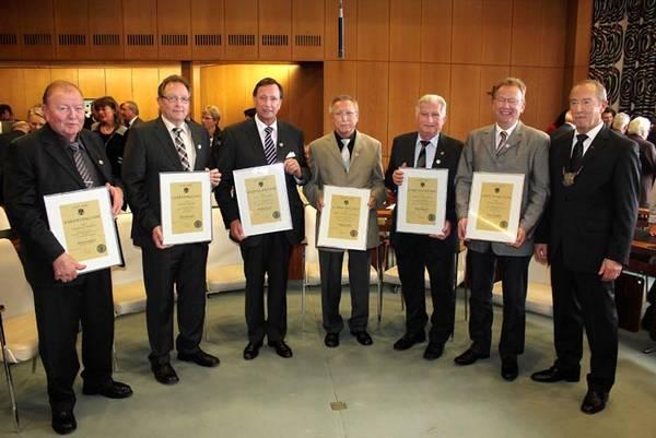 Rainer Wiemer und Hans-Joachim Nierling erhielten Ehrennadel der Stadt Werl